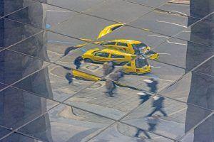 street photography taxi reflejo xisco fuster fotografo