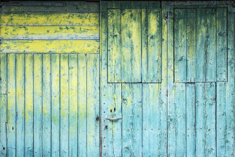 fotografo enlatado puerta amarilla y verde la fotografia es mi pasion